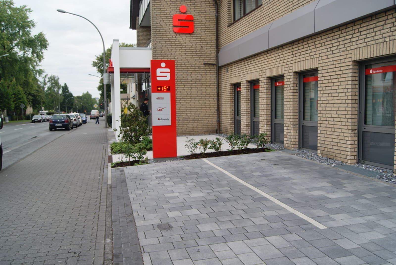 Sparkasse-Detmold-Geschäftsstelle-Lemgoer-Straße-4
